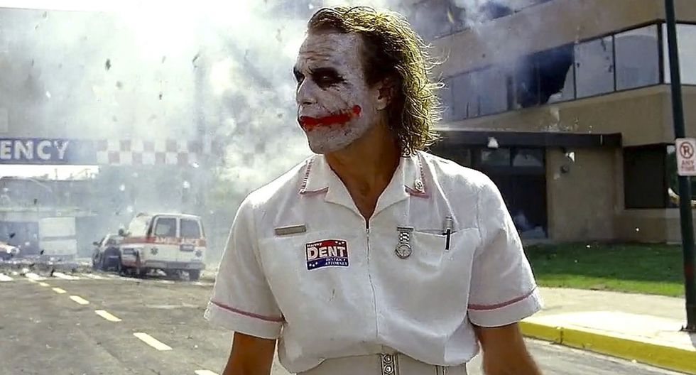 Heath Ledger no improvisó en la escena del hospital en 'The Dark Night' (Foto: Warner Bros.)