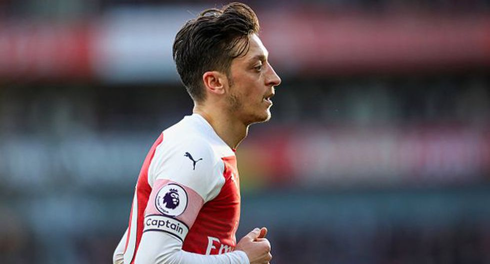 Mesut Özil no ha podido ganar la Premier League con Arsenal. (Foto: Getty Images)