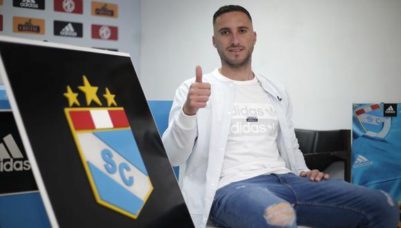 Emanuel Herrera tiene 50 goles con la celeste, entre torneo local y copas internacionales.