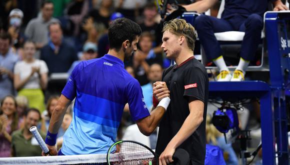 El siguiente rival de 'Nole' será el italiano Matteo Berrettini, sexto sembrado, a quien batió en la final del pasado Wimbledon. (Foto: AFP)