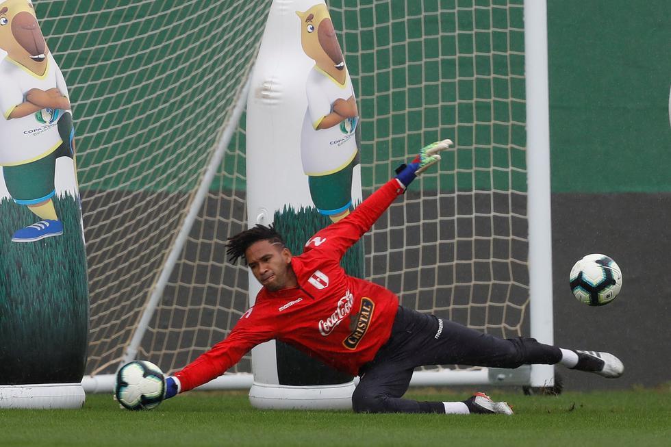 Pedro Gallese. (Foto: EFE/Julio Cesar Guimarães)