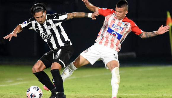Libertad y Junior chocaron en Asunción por la vuelta de los octavos de final de Copa Libertadores 2021. (Foto: AFP)