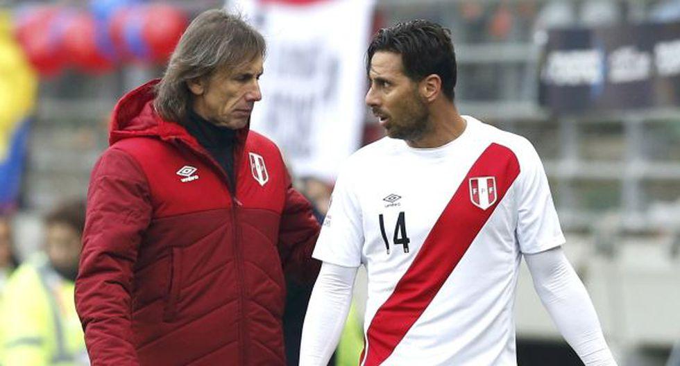 Ricardo Gareca elogió la trayectoria de Claudio Pizarro en conferencia de prensa. (AP)