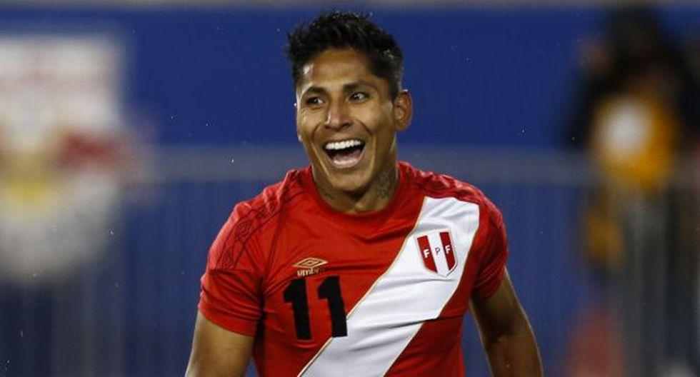 Raúl Ruidíaz tiene 4 goles con camiseta de la Selección Peruana. (Foto: AFP)