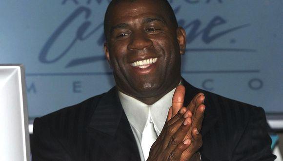 El legendario exjugador de Los Angeles Lakers confía en que se encuentre un tratamiento efectivo para vencer al COVID-19. (Foto: AFP)