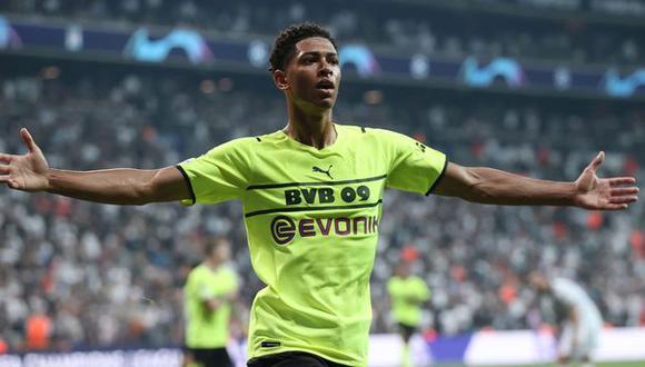 Jude Bellingham está disputando su segunda temporada con el Borussia Dortmund. (Foto: AFP)