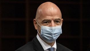 Presidente de la FIFA en aislamiento tras contagiarse de la COVID-19