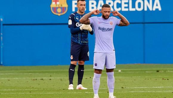Memphis Depay celebra su primer gol con la camiseta del FC Barcelona, club por el que firmó dos años. (Foto: EFE)