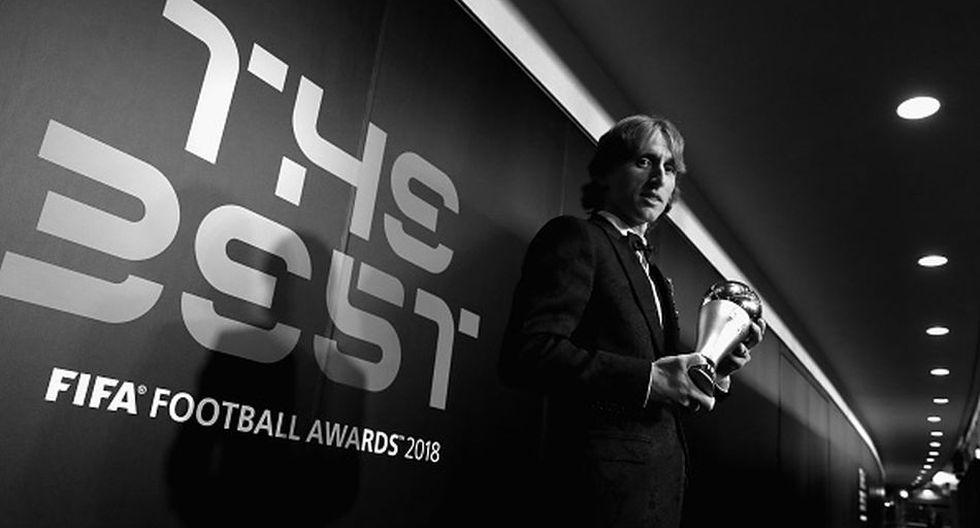 Luka Modric levantó el trofeo FIFA 'The Best'. (Getty)