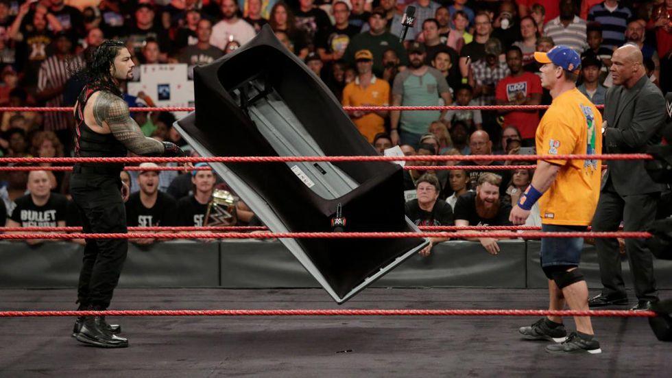 John Cena Se Salió Del Libreto Para Insultar A Roman Reigns