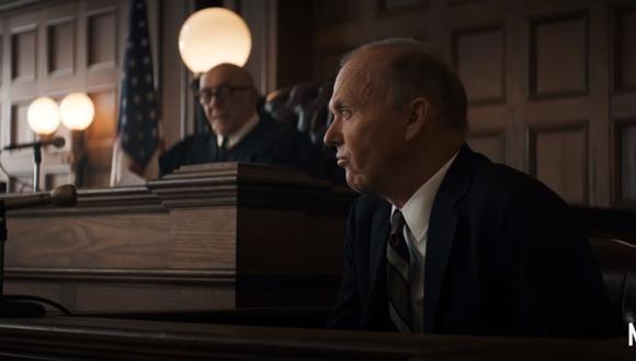 Michael Keaton interpreta al ex fiscal general de Estados Unidos Ramsey Clark en la cinta de Netflix. (Foto: Captura YouTube)